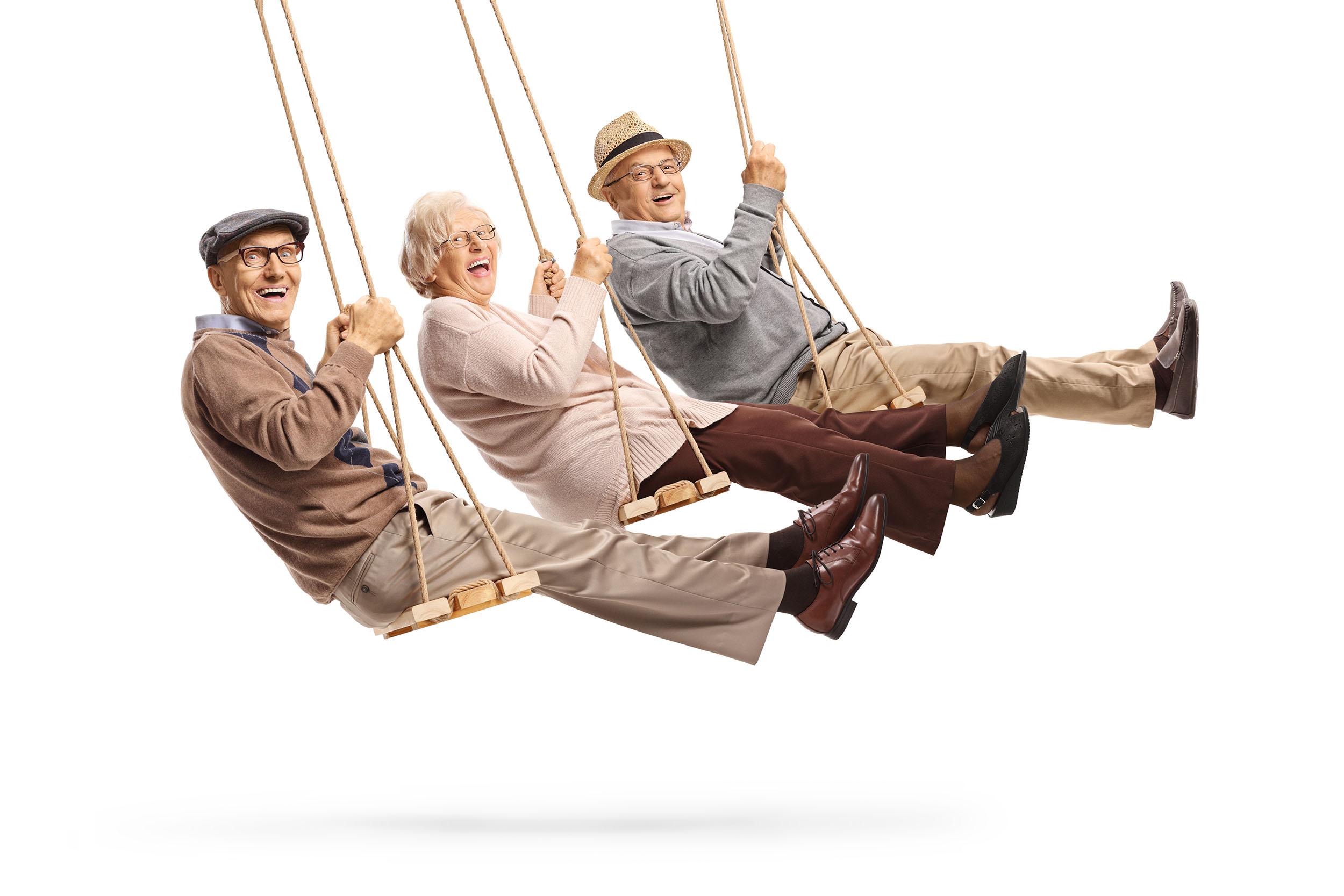 SeniorenAufSchaukel